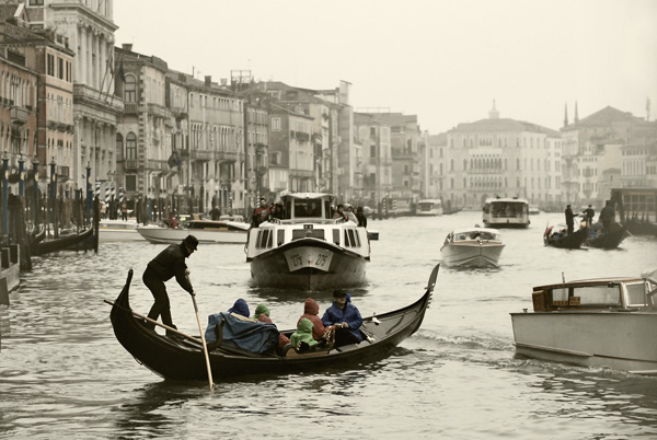 boats on grand canale
