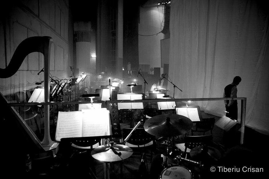 Scena e pregatita de spectacol, mai e putin si se ridica cortina - Sala Palatului, Gala Teatrului de Opereta, 2011.
