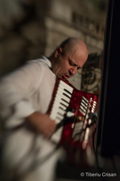 Raul Kusak - pian, acordeon