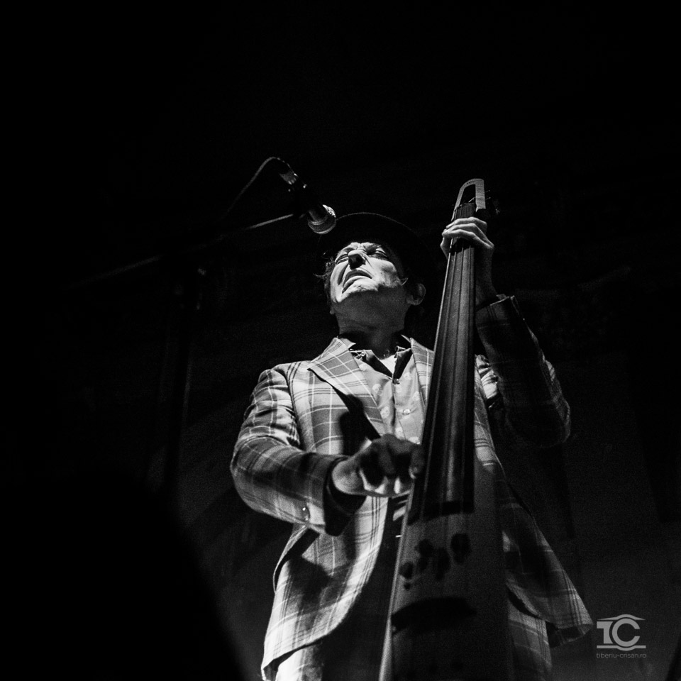 Adrian Stout  de la Tiger Lillies live la Cluj