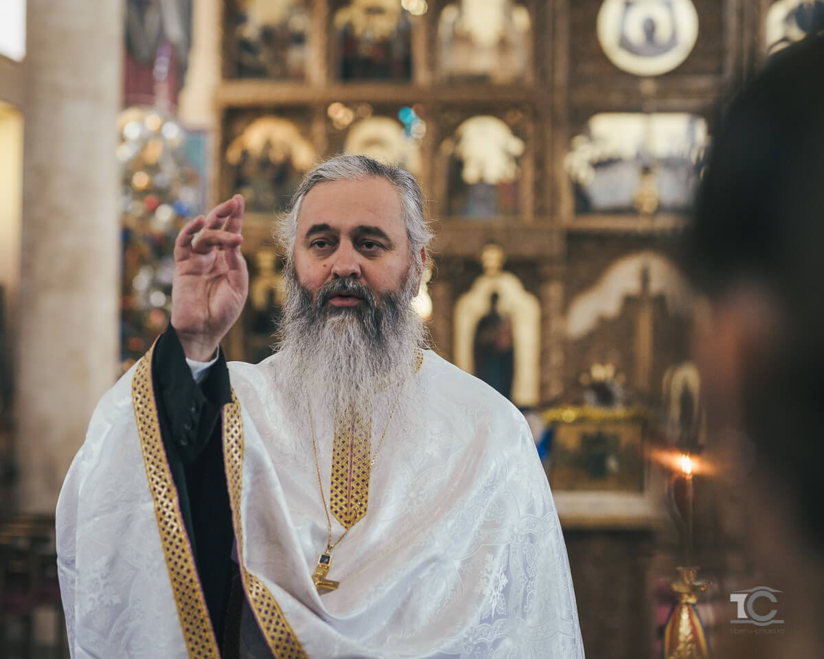 binecuvantarea-preotului-la-botez